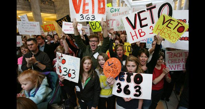 Utah-teens-protesting