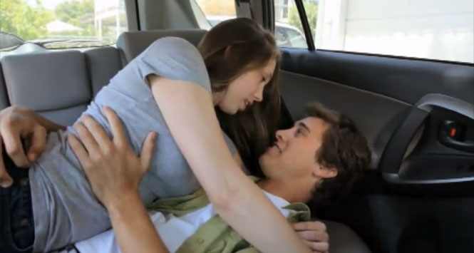 Teens-making-out-in-car