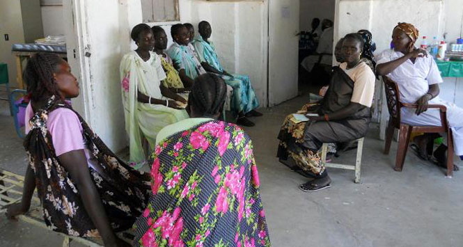 Women-in-Sudanese-clinic-waiting-room