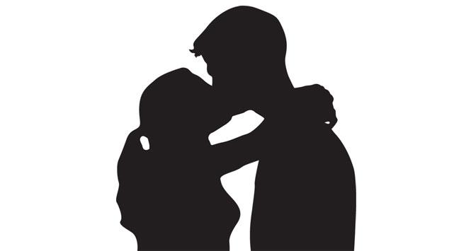 kissing-sihouette