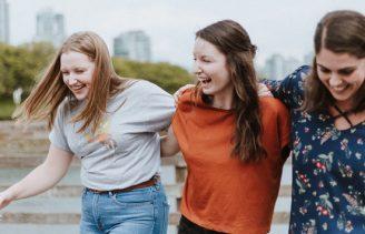 three-girls-laughing